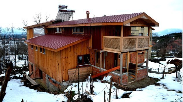 Kavacık Köyünde satılık 2 katlı ev