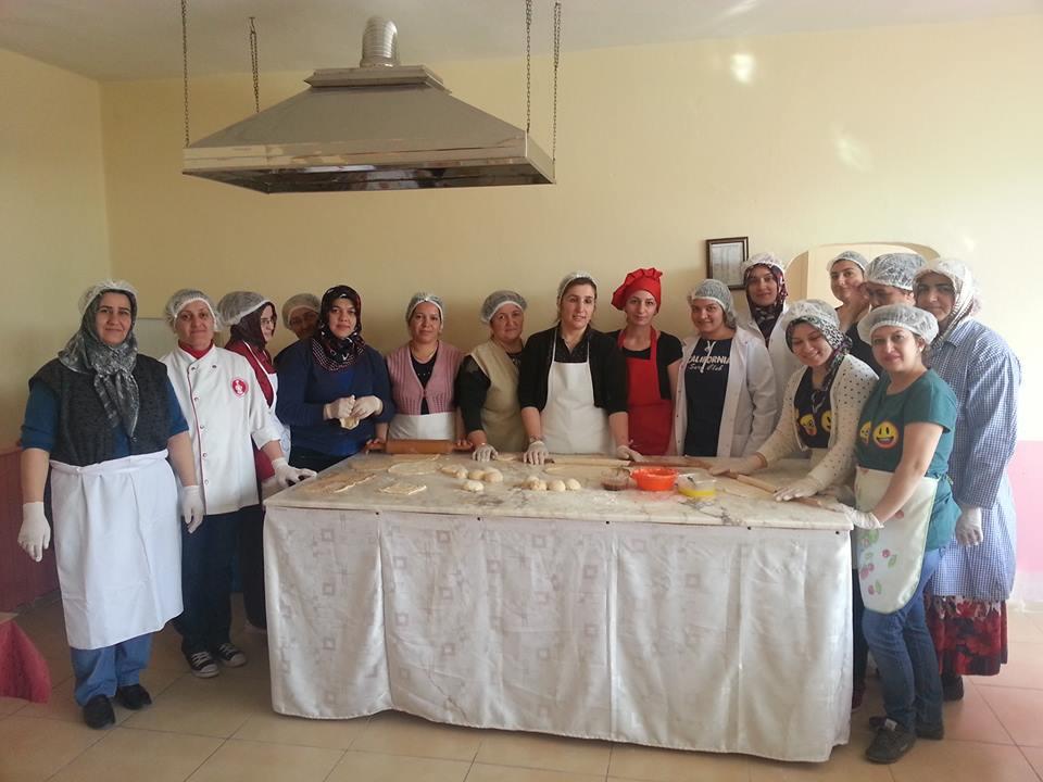 Mengen HEM'de aşçılık kursları devam ediyor