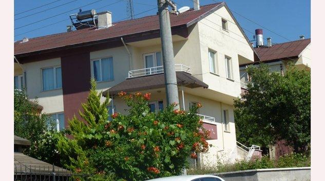 Mengen Beşler Doğuş Sitesinde satılık villa