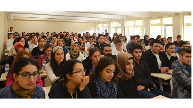 Mengen'de Aşçılık eğitimi alan öğrencilere konferanslar devam ediyor