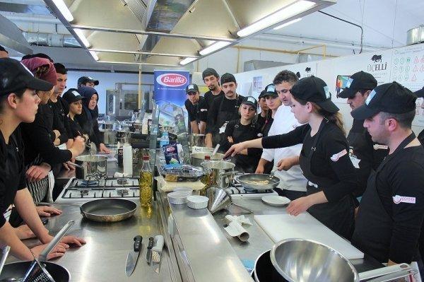Barilla, geleceğin aşçılarına eğitim verdi