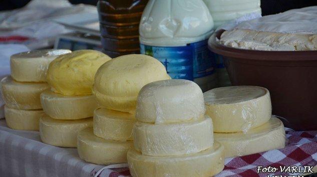 (Arşiv) Mengen yöresel ürünleri için Köylü pazarı