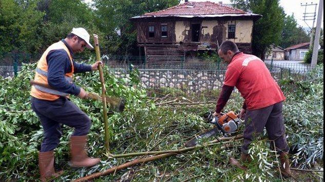Türkbeyli deresi temizleniyor