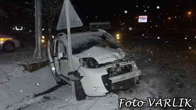 Mengen'de trafik kazası 1.i agır 3 yaralı