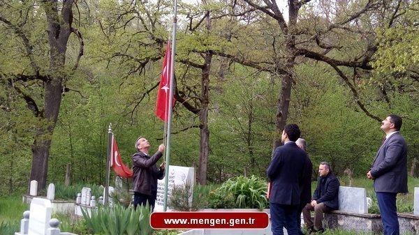 Şehit Durmuşoğlu'nun Kabrine Ziyaret